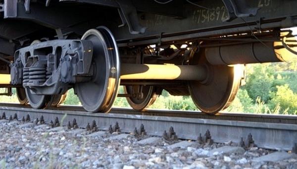 В Курчатове мужчина попал под поезд и выжил