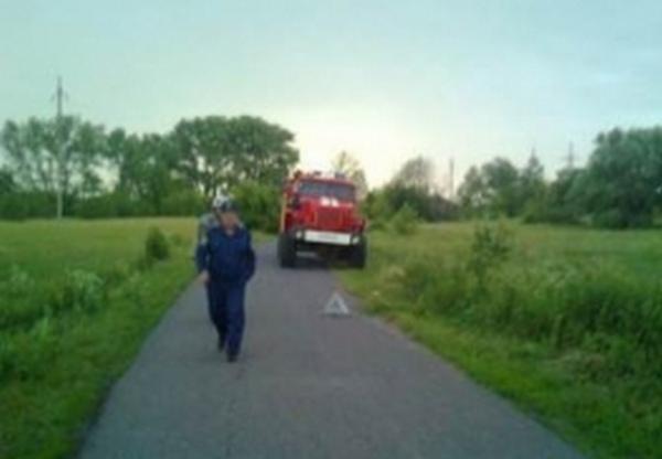Под Курском мотоциклист без прав врезался в иномарку