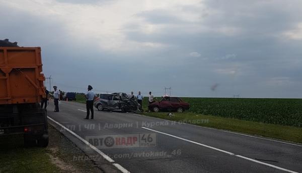 Под Курском в лобовом столкновении погибли 4 человека