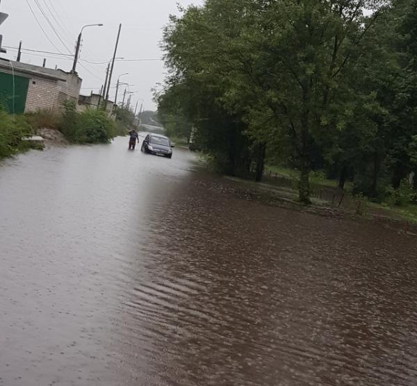 В Курске из-за ливня затопило низинные улицы
