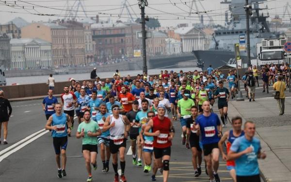 Марафонцы из Курска завоевали четыре медали в Санкт-Петербурге