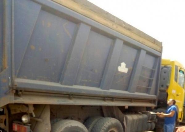 На курском сельхозпредприятии водителя грузовика завалило зерном