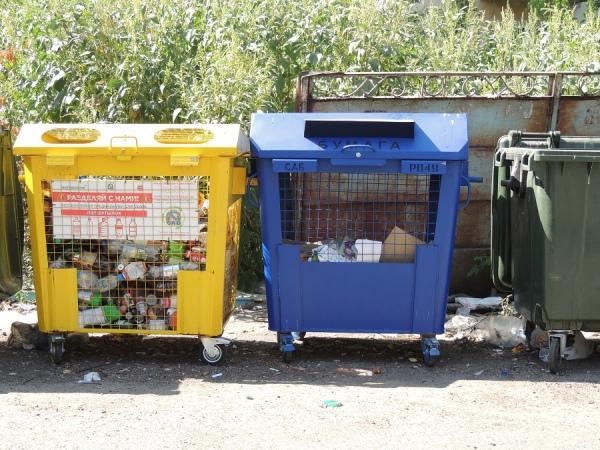В Курске устанавливают синие контейнеры для бумаги