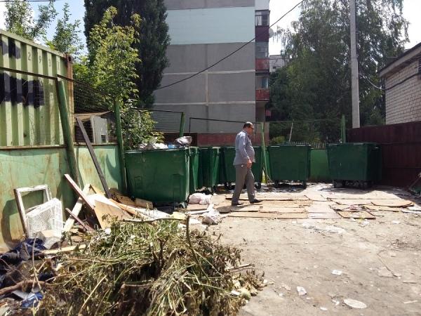 Десятки управляющих компаний наказаны за мусор и сорняки