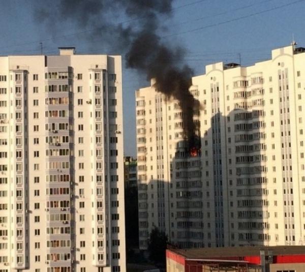 Причиной пожара в многоэтажке на Клыкова могло стать короткое замыкание