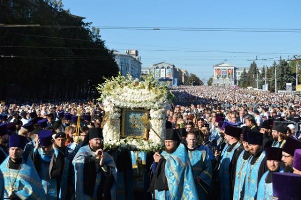 """Сегодня в Знаменский собор крестным ходом принесут икону """"Знамение"""""""