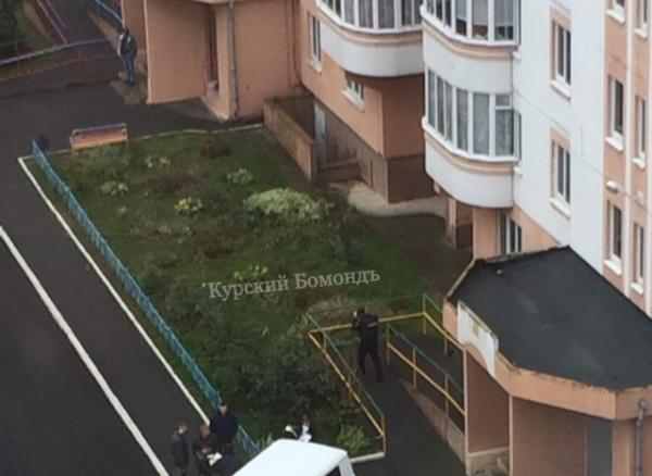 На проспекте Победы мужчина погиб, упав с 14-го этажа