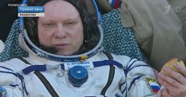 Космическая экспедиция возвращается сМКС наЗемлю (трансляция)