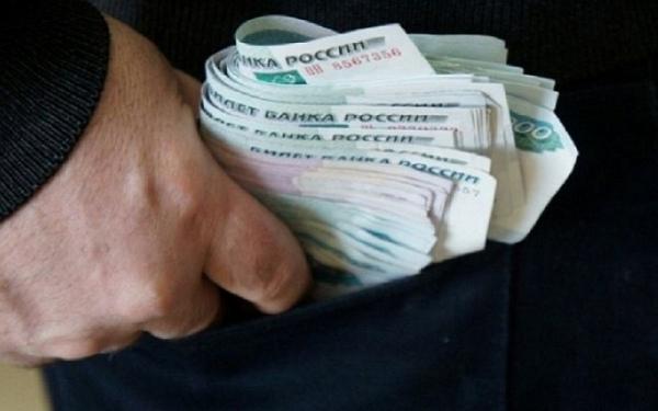 Курянин украл с чужой карты 140 тысяч рублей