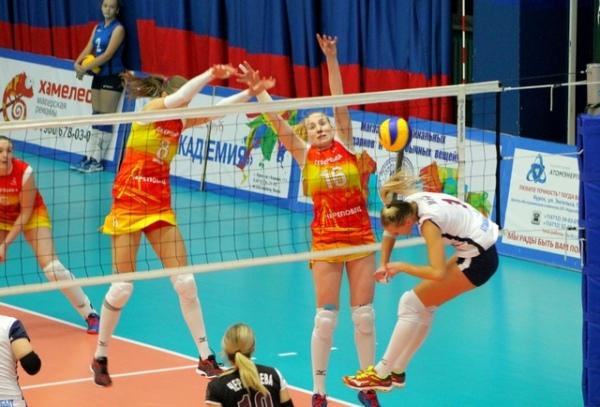 Курские волейболистки начали сезон с двух поражений