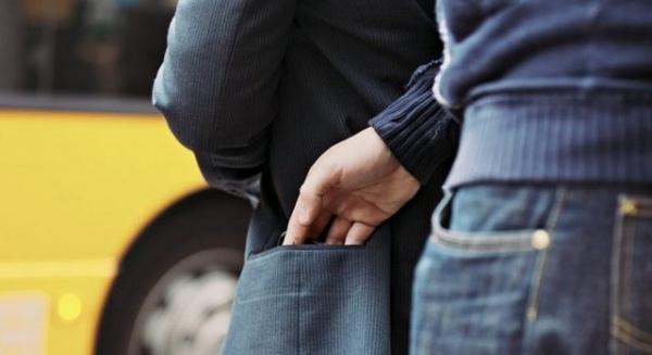 Раскрыты две кражи телефонов в курском транспорте