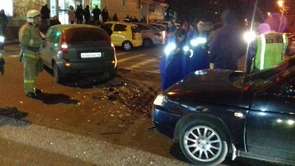 ДТП на улице Дзержинского в час пик спровоцировало пробку