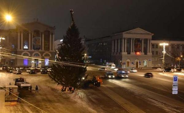 Сегодня в Курске украсят главную новогоднюю ель