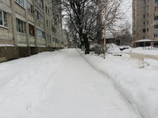 В мэрии Курска рассказали, кто отвечает за содержание тротуаров