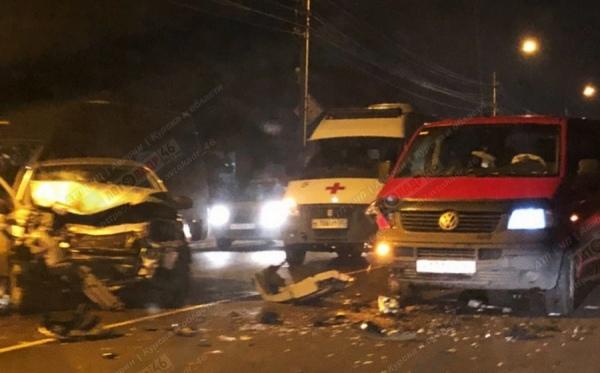 В Курске водитель сбежал с места аварии, его пассажир серьёзно ранен
