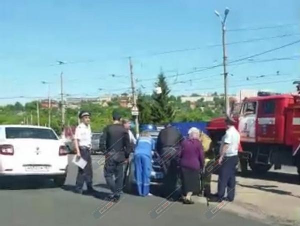 В понедельник в Курске сбили двух пенсионеров