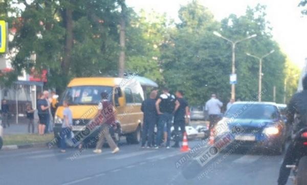 Под Курском столкнулись два мотоциклиста и два автомобилиста