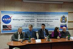 Представители NASA доставили в Россию малый космический аппарат «Радиоскаф-2»