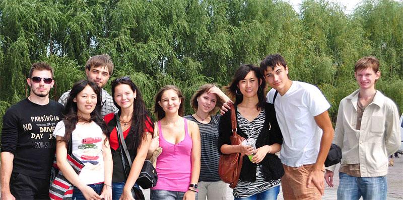 Девушки из курских студентов