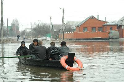 В Курске во время паводка организуют три переправы
