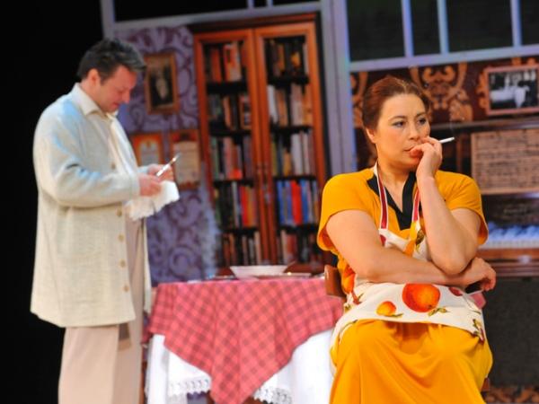 Фото из спектакля «Афинские вечера»