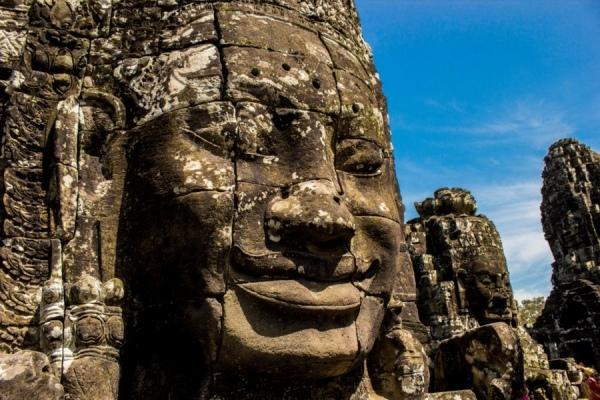 В Храме Байон сохранилось 61 скульптурное изображение Будды