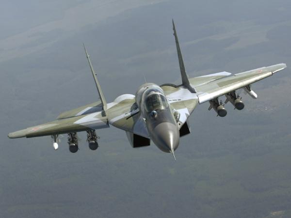 Размещена видеозапись учений истребителей МиГ-29 вЛенинградской области