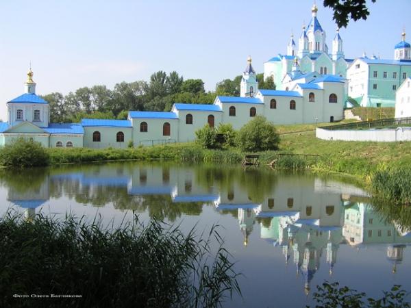 Курскую Коренную пустынь называют третьим духовным центром России