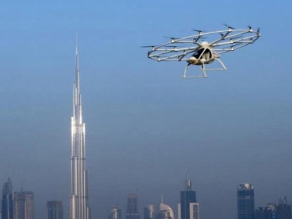 ВДубае представят летающее такси и разумный пешеходный переход
